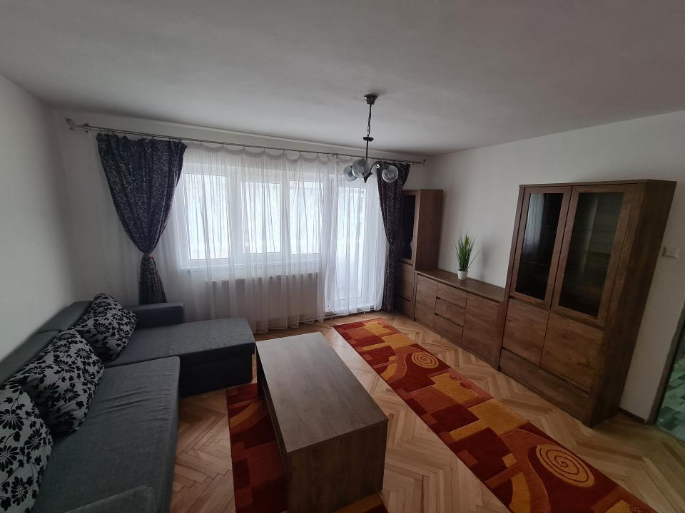Apartament 3 camere, Dambovita
