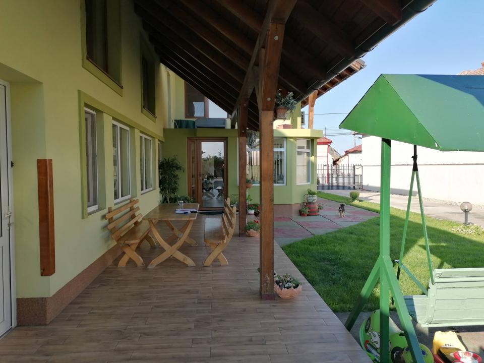Vila de Lux Giarmata -Vii