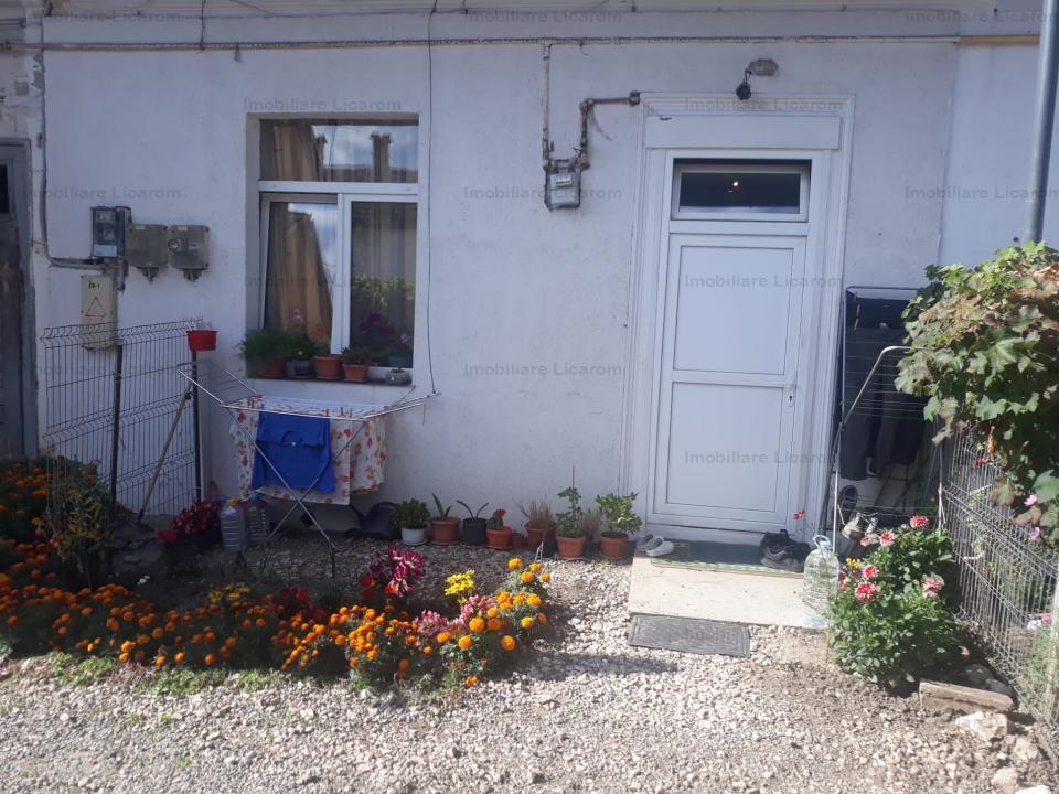 Garsoniera la casa zona Istorica str Lunga,curte comuna,pret 43000 euro