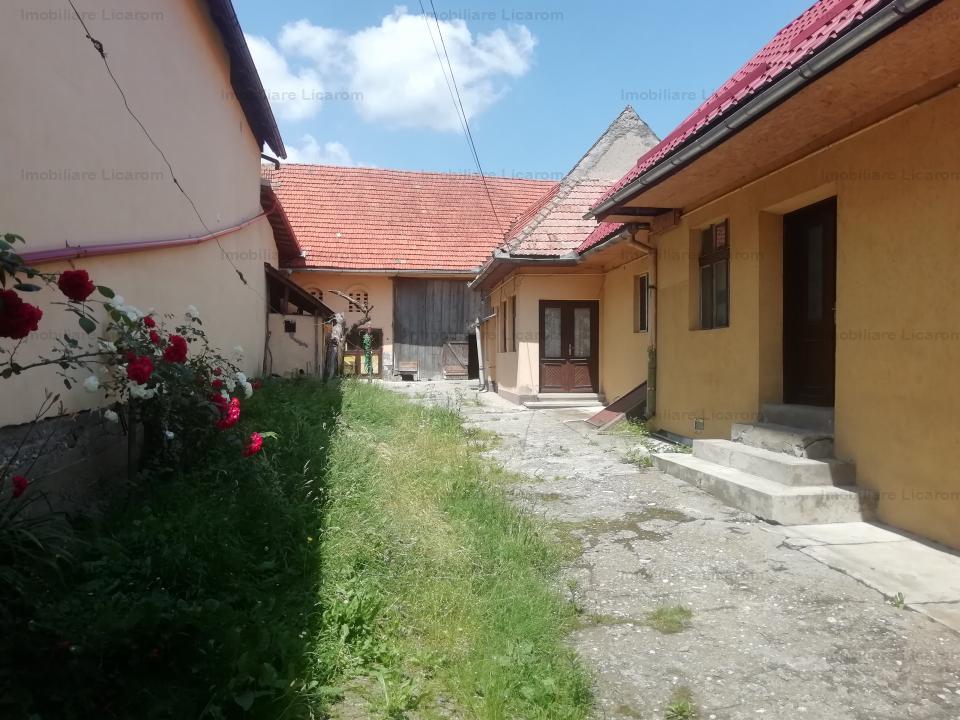 Casa Tohanu Nou singur in curte 5 camere pret 75000 euro