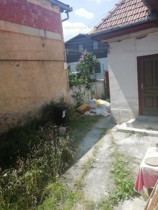 Casa zona centrala Zarnesti, 1000mp pret 75000 euro