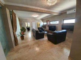Vila superba, 4 camere, construita in stil mediteranean, zona 9 Mai