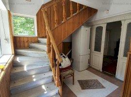 Vanzare casa cu etaj, 6 camere, zona Democratiei-Central