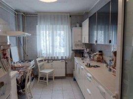 Vanzare apartament 2 camere, mobilat si utilat, zona Marasesti