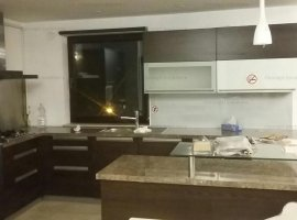 Inchiriere apartament 4 camere, zona Basarab