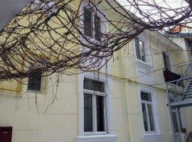 Apartament 3 camere de vanzare zona ambasada Piata Romana