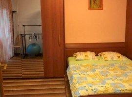 Apartament 4 camere, Uranus