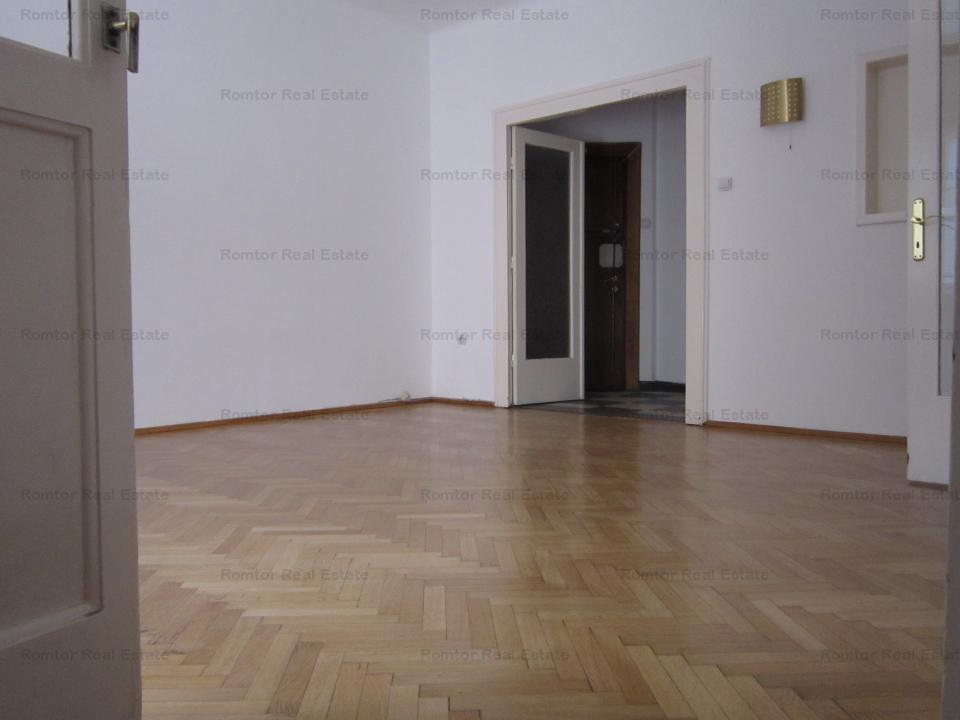 Apartament elegant 4 camere- Piata Romana