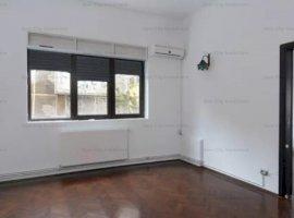 Apartament 3 camere spatios,renovat,mobilat minim,Foisorul de Foc,pretabil birouri/rezidential