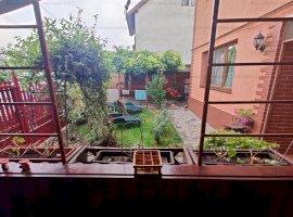 Nou   Vila Rustica cu 4 camere   Curte splendida   Zona Scolii