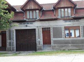 Casa(106mp) + Teren(629 mp) cu anexe gospodaresti.