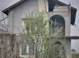 Vila si teren in Lunguletu, Dambovita