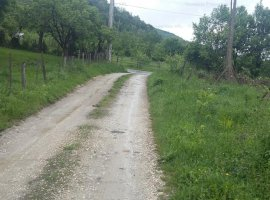 Teren intravilan 1390 mp - Vladesti, Valcea