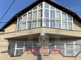 Casa/vila,1000 mp teren - zona Sacele