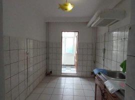 Apartament 2 camere, decomandat, Bicaz, etaj 2/4