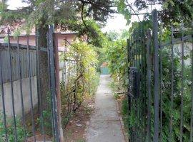 Casa batraneasca in zona Fratelia