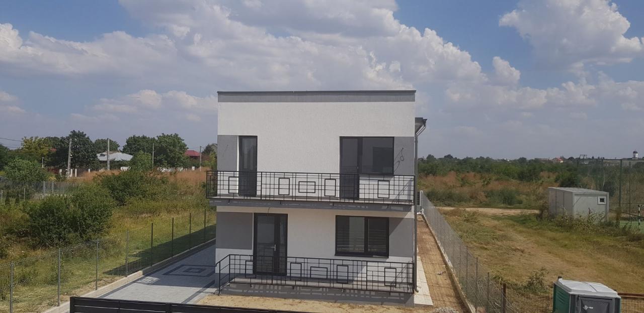 Domnesti vila tip duplex 4 camere