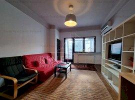 Apartament 3 camere, Central, imobil tipic interbelic, cu curte