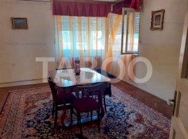 Casa de vanzare in Fagaras cu 5 camere si 457 mp teren liber