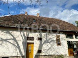 Casa individuala de vanzare 972 mp 7 camere 21 m deschidere Strand