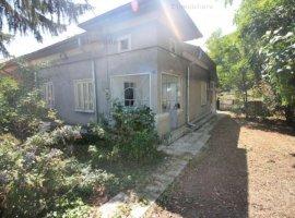 Comuna Vidra - Central, casa 4 camere, renovata, teren 2650 mp