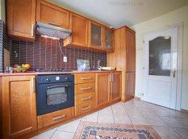 Apartament cu 3 camere în zona Micălaca