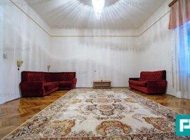 Apartament cu 3 camere de închiriat  Boul Rosu