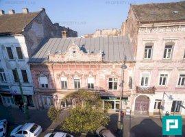 Vilă cu 20 camere în Piața Avram Iancu