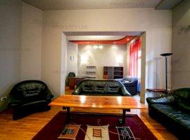 Apartament cu 3 camere ultracentral la etajul 1