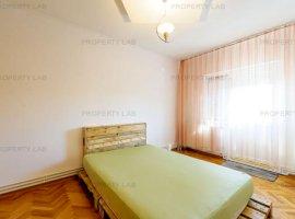 Apartament cu 3 camere în Micalaca.