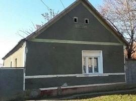 Vanzare  casa  4 camere Arad, Caporal Alexa  - 21000 EURO