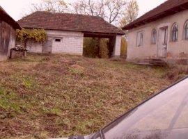 Vanzare  casa  3 camere Arad, Varfurile  - 31000 EURO