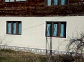 Vanzare  casa  3 camere Arad, Ineu  - 25000 EURO