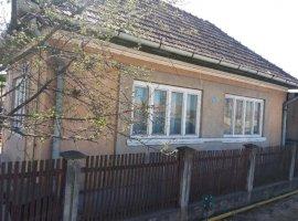 Vanzare  casa  3 camere Mures, Cuci  - 40000 EURO