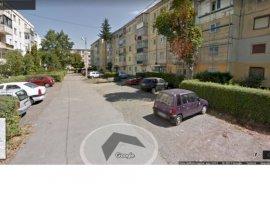 Vanzare  apartament  cu 3 camere  semidecomandat Brasov, Fagaras  - 17000 EURO