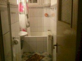 Vanzare  apartament  cu 3 camere  semidecomandat Arges, Campulung  - 30000 EURO