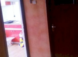 Vanzare  apartament  cu 4 camere  decomandat Arad, Nadlac  - 30000 EURO