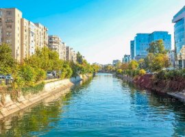 Vanzare  apartament  cu 3 camere  decomandat Bucuresti, Marasesti  - 180000 EURO
