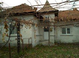 Vanzare  casa  4 camere Dambovita, Pucioasa  - 30000 EURO