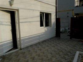 Vanzare  apartament  cu 2 camere  semidecomandat Bucuresti, Jiului  - 70000 EURO