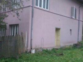 Vanzare  casa  5 camere Valcea, Voineasa  - 148000 EURO