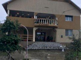 Vanzare  casa  6 camere Dambovita, Rancaciov  - 180000 EURO