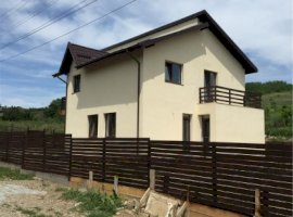 Vanzare  casa  4 camere Iasi, Aroneanu  - 79000 EURO