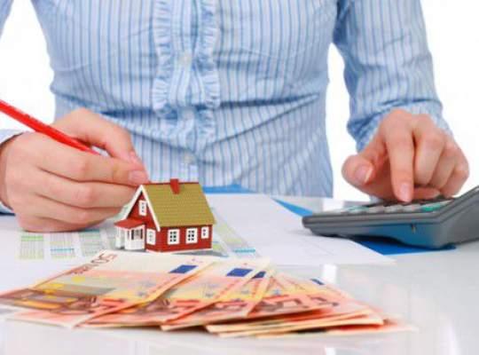 Legea care ar trebui sa deblocheze creditele imobiliare se afla in Camera Deputatilor