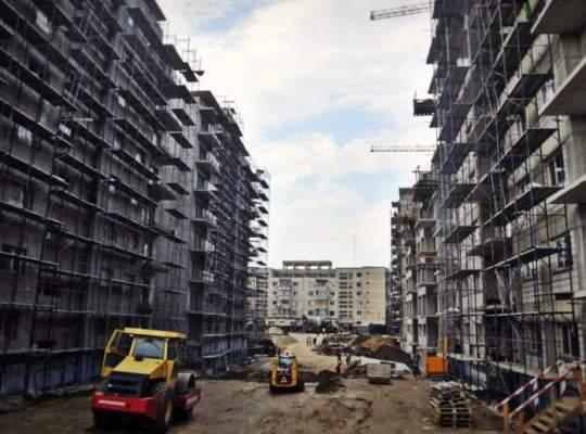 Aproape jumătate din locuințele aflate în construcție se află în București