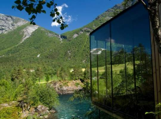 "Casa Din ""Ex Machina"" E De Fapt Un Hotel Din Norvegia"