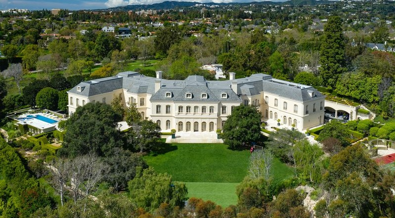 Vanzare record la Hollywood! 120 de milioane de dolari pentru un palat cu 123 de camere